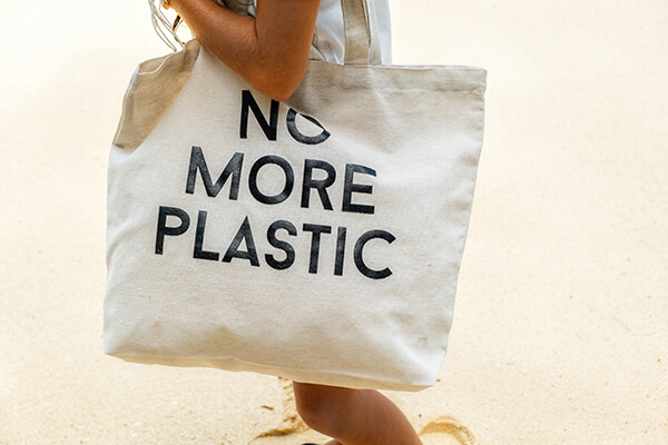 En hållbar framtid där trä ersätter plast